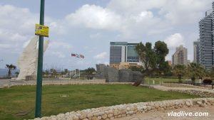 Израиль. Нетания. Памятник войнам освободителям