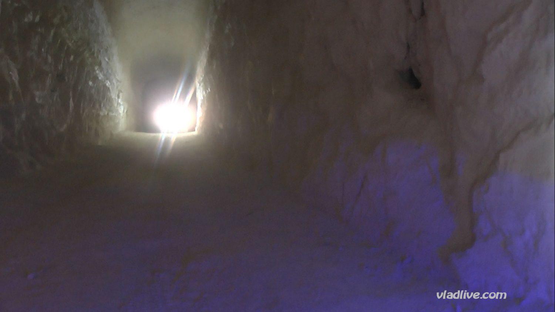 Отдых в Израиле. Пещера в пустыне Негев